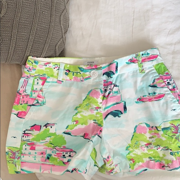 crown & ivy Pants - Crown & Ivy Town Print Shorts